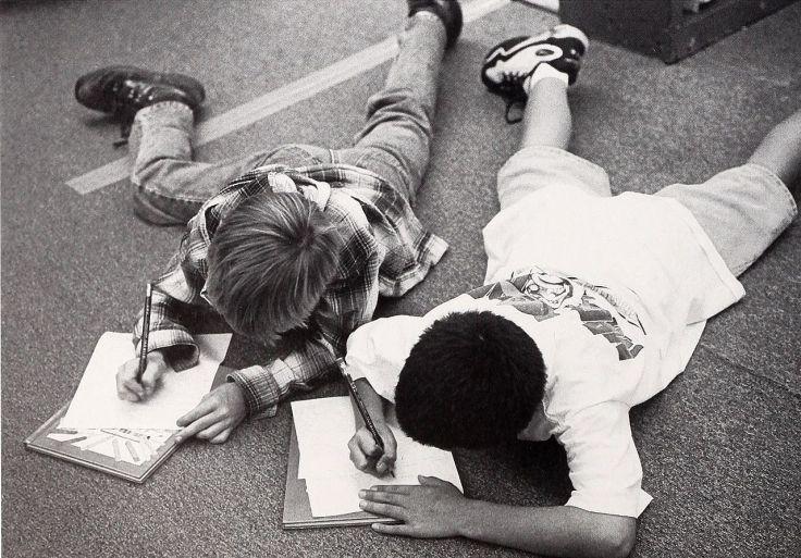 amigos escrevendo